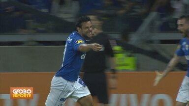 Veja mais gols da 31ª rodada - Na vitória do Cruzeiro sobre o Paraná, Fred volta a marcar depois de grave lesão no joelho.