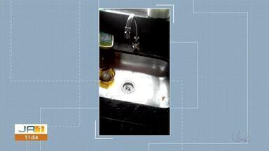 Moradora envia vídeo reclamando da falta de água em Porto Nacional - Moradora envia vídeo reclamando da falta de água em Porto Nacional