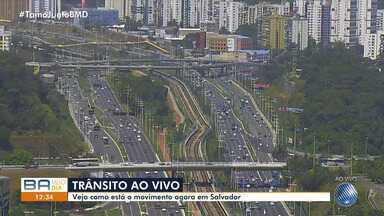 Av. Paralela tem transito tranquilo no início da tarde desta segunda-feira (29) - Fluxo também é considerado normal também na Cidade Baixa e Avenida Luís Eduardo Magalhães.