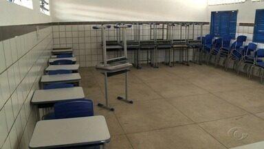 Escolas públicas que foram local de votação em AL têm aulas suspensas nesta segunda - Suspensão se deu para limpeza das unidades de ensino.