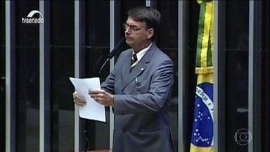 Conheça a trajetória do presidente eleito Jair Bolsonaro - Jair Messias Bolsonaro começou sua carreira política há quase 30 anos, como vereador no Rio de Janeiro. Depois se elegeu deputado federal sete vezes.