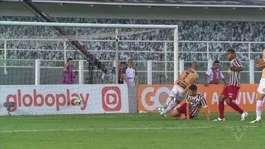 Santos vence o Fluminense e segue na briga por vaga na Libertadores de 2019 - Peixe venceu por 3 a 0.