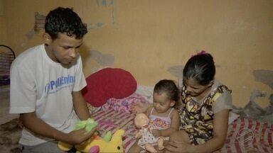 """""""Ajuda aí"""": pai consegue emprego e ajuda para a filha com espinha bífida - """"Ajuda aí"""": pai consegue emprego e ajuda para a filha com espinha bífida."""