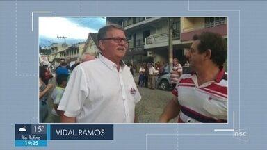 Giro de notícias: Helmut Stoltenberg, do PP, é eleito prefeito de Vidal Ramos - Giro de notícias: Helmut Stoltenberg, do PP, é eleito prefeito de Vidal Ramos