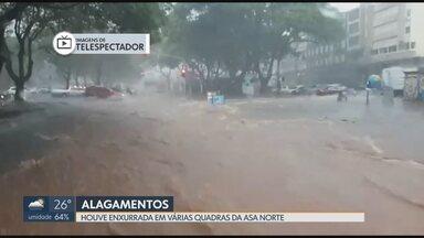 Chuva castiga a Asa Norte - Temporal prejudicou o trânsito e alagou vias nesta segunda-feira (29).