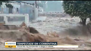 Chuva forte causa estragos na cidade de Correntina - Parte do asfalto da BR-349 cedeu.