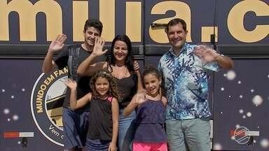 Família do interior de SP que vive em ônibus chega em Campo Grande - Eles resolveram deixar tudo para trás e percorrer o mundo em um motorhome.