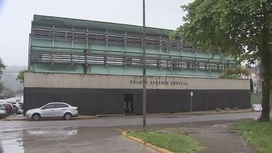 Acompanhantes reclamam de estrutura precária no antigo PS Central - Baratas e outros insetos foram vistos no local, junto com pacientes.