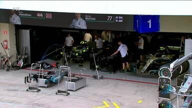 Lewis Hamilton chega em SP embalado pelo título mundial na F1 - Lewis Hamilton chega em SP embalado pelo título mundial na F1