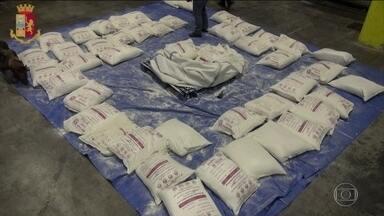 Polícia italiana apreende a maior quantidade de drogas em 20 anos - Foram 260kg de heroína, que estavam dentro de um contêiner que vinha do Irã até o porto de Gênova. Dois homens foram presos.