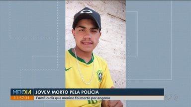 Família de jovem morto pela polícia está revoltada com a morte - O jovem Deivid Fronza, de 18 anos foi morto a tiros perto de casa. A família diz que ele foi confundido com bandidos