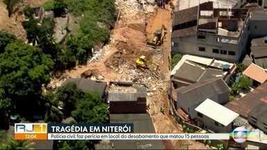Polícia Civil faz perícia em local do desabamento que matou 15 pessoas em Niterói - Quinze pessoas morreram no deslizamento de sábado em Niterói, no Rio de Janeiro. Vinte famílias perderam as casas.