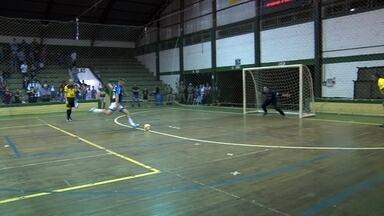 Equipes disputam a final da Taça Regional de Futsal - Maximiliano de Almeida e Ipiranga do Sul se enfrentam na final.