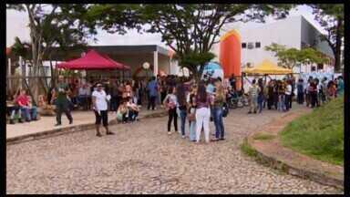 Confira como foi o segundo dia de provas do Enem em Divinópolis - Exame Nacional do Ensino Médio foi aplicado neste domingo (11) em todo o país.
