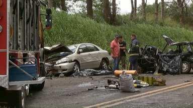 Sete pessoas morrem em acidentes nas estradas no domingo - Quatro delas estavam no mesmo carro