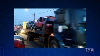 Policia investiga envolvimento de servidores públicos em liberação de carros clonados - No Maranhão, quase 90 carros foram apreendidos em uma operação da PRF que também investiga a falsificação de documentos.