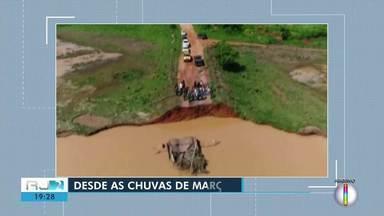 Moradores de São Francisco de Itabapoana aguardam obra de ponte desde março - Assista a seguir.