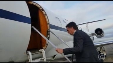 Bolsonaro terá encontros em tribunais superiores e reunião com equipe de transição - O presidente eleito Jair Bolsonaro embarcou no Rio, em direção a Brasília. Ele tem um dia de encontros em tribunais superiores - e também vai se reunir com a equipe de transição.