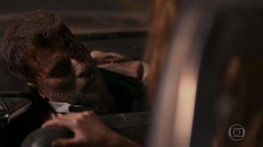 Luz e Geandro levam Gabriel para Serro Azul - Delegado Machado pergunta a Feliciano para onde Luz caminhou. Ele indica a direção contrária ao ver o gato León. Genadro e Luz escondem Gabriel na casa de Sóstenes