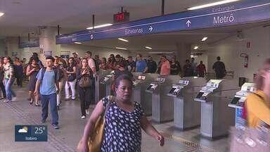 MPF pede na Justiça suspensão do aumento da tarifa do metrô de BH - Passagem foi reajustada em 89% e passou de R$ 1,80 para R$ 3,40 nesta quarta-feira.