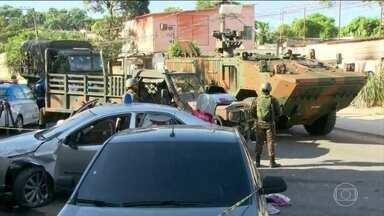 PM é morto ao furar bloqueios do Exército na Baixada Fluminense - O policial militar Diogo Motta, de 35 anos, atirou na tropa do Exército antes de ser atingido e morto. Ele seguia para o trabalho.