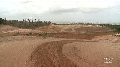 MPF aponta falhas erm licenças ambientais na construção de porto privado - Famílias da comunidade Cajueiro, na zona rural de São Luís, estão tendo as casas derrubadas pela empresa da construção de um porto privado na região.
