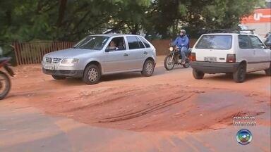 Rua que estava em obras é liberada em Rio Preto - A Rua Aparecida do Taboado em São José do Rio Preto (SP) que estava em obras foi liberada nesta sexta-feira (16). O trecho precisou ser interditado depois que o asfalto cedeu e um carro caiu dentro de uma cratera.