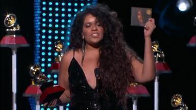 Anaadi recebe Grammy Latino 2018 pelo álbum 'Noturno' em premiação em Las Vegas - Cantora porto-alegrense foi a grande vencedora na categoria Melhor Álbum Pop Contemporâneo em Língua Portuguesa.
