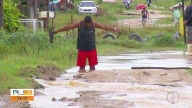 Moradores de Araruama reclamam dos bairros Paraty e Novo Horizonte - Assista a seguir.