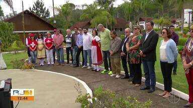 Cerimônia dá início às comemorações dos 200 anos da colonização Suíça em Nova Friburgo - Assista a seguir.