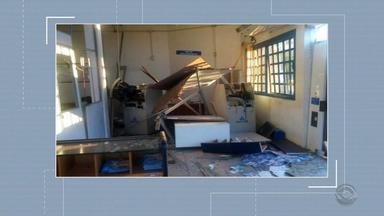 Agência bancária é atacada em Cerro Branco - De acordo com a Brigada Militar, os bandidos usaram explosivos para arrombar o banco.