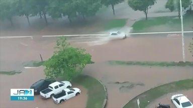 Chuva forte causa alagamentos em Palmas; confira previsão para os próximos dias - Chuva forte causa alagamentos em Palmas; confira previsão para os próximos dias