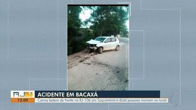 Carros batem de frente na RJ-106 em Saquarema e duas pessoas morrem no local - Assista a seguir.