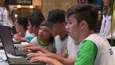 Jovens disputam final de Olimpíada de Jogos Digitais no Recife - Alunos da rede municipal participaram da iniciativa.