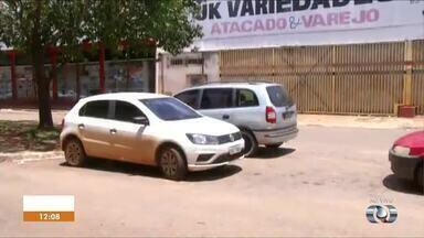 Comerciantes reclamam da falta de organização do estacionamento perto do camelódromo - Comerciantes reclamam da falta de organização do estacionamento perto do camelódromo