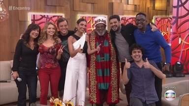 Rubens trabalha como Papai Noel em shopping - Convidados se encantam com o 'bom velhinho' negro