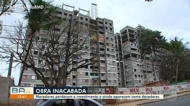 Moradores brigam na justiça contra a Caixa há mais de 10 anos pela casa própria - O sonho de morar no apartamento se tornou pesadelo após pessoas invadirem as obras inacabadas.