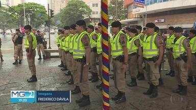 Polícia Militar reforça segurança de centros comerciais por causa da Black Friday - Três mil policiais anteciparam a operação natalina.