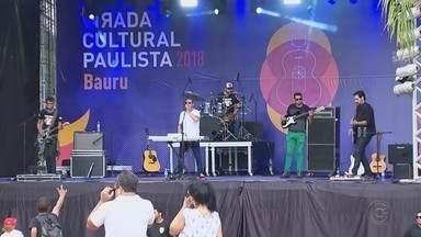 Virada Cultural Paulista reúne centenas de pessoas em Bauru e Botucatu - Evento reuniu centenas de pessoas, que acompanharam diversos shows e atrações neste fim de semana.