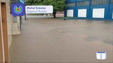 Chuva causa transtornos na região - Várias cidades registraram problemas por causa das chuvas.