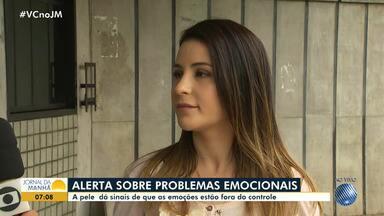 Alerta: pele dá sinais quando as emoções estão fora de controle - A dermatologista Marília Acioli fala mais sobre o assunto; confira.