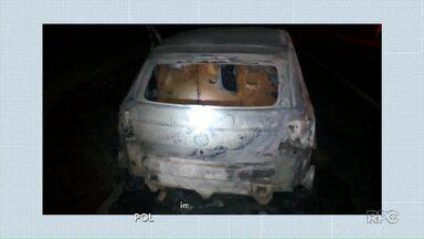 Três pessoas ficam feridas em assalto a ônibus na região de Jaguariaíva - Dois ônibus de turistas foram cercados por um grupo de bandidos fortemente armados na PR-151.