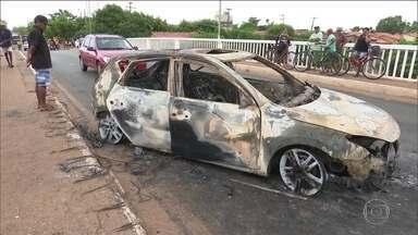 Quadrilha aterroriza a cidade de Bacabal no Maranhão - Criminosos explodem banco e trocam tiros com policiais. Três bandidos e um morador morreram.