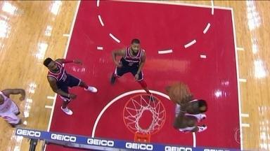 Mesmo com show de James Harden, Houston acaba derrotado na rodada de basquete da NBA - Mesmo com show de James Harden, Houston acaba derrotado na rodada de basquete da NBA