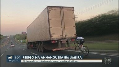 Ciclista é flagrado pedalando 'no vácuo' de caminhão na Rodovia Anhanguera, em Limeira - Flagrante foi feito pela EPTV na manhã de quarta-feira (28); seguir muito perto da traseira de veículo causa risco de acidente grave, segundo polícia.