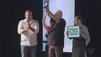 16ª edição do Prêmio Comunidade em Ação tem noite de premiação - Evento premiou quem se dedica ao voluntariado.