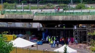 Imagens exclusivas mostram obras em viaduto que cedeu na Marginal Pinheiros, em São Paulo - Ernesto Paglia esteve em pontos da construção a que só os engenheiros tiveram acesso e mostra o que foi feito pra recolocar o viaduto no lugar.