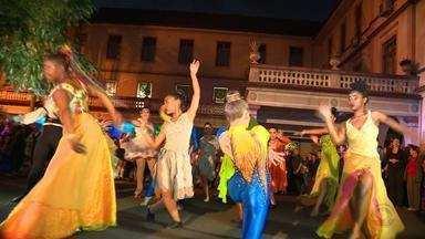 Canoas tem espetáculo natalino com pequenos cantores - Espetáculo foi realizado no final de semana.