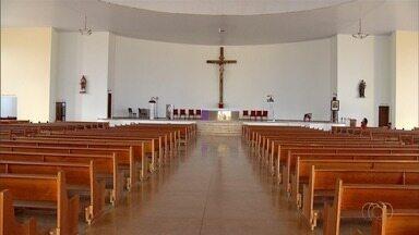 Igreja é furtada duas vezes em menos de um mês, em Luziânia - Criminosos levaram todo o sistema de som da paróquia.