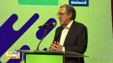 Carlos Alberto Sardenberg analisa economia em 2018 e faz previsões para 2019 em palestra - Comentarista econômico participou de evento no teatro do shopping RioMar, na Zona Sul do Recife.